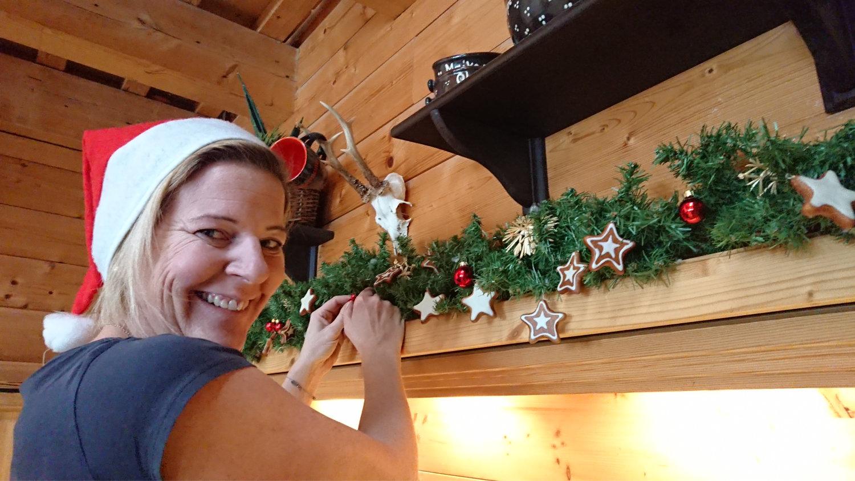 Eventscheune weihnachtlich dekoriert